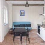 Stue/kjøkken med dobbel sovesofa
